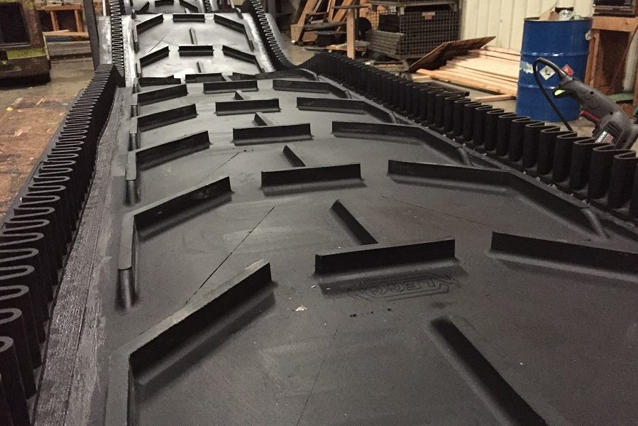 Frac Sand Cleated sidewall belt (1)